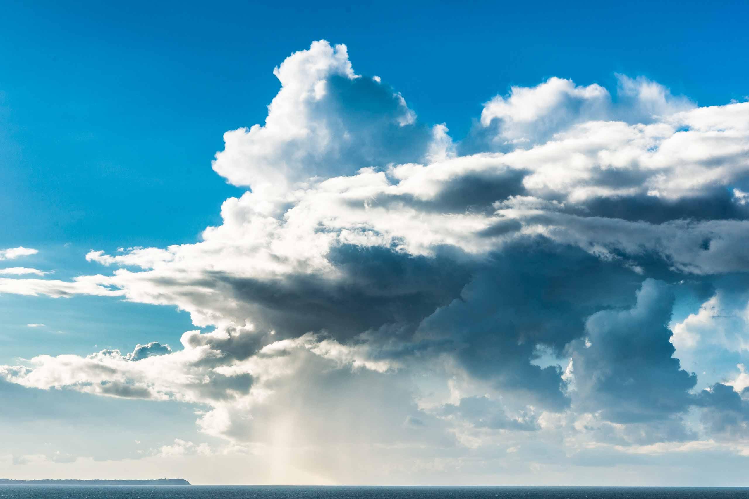 Wolkenbruch vor Kap Arkona